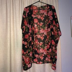 Black & Pink rose kimono 🌹 👘